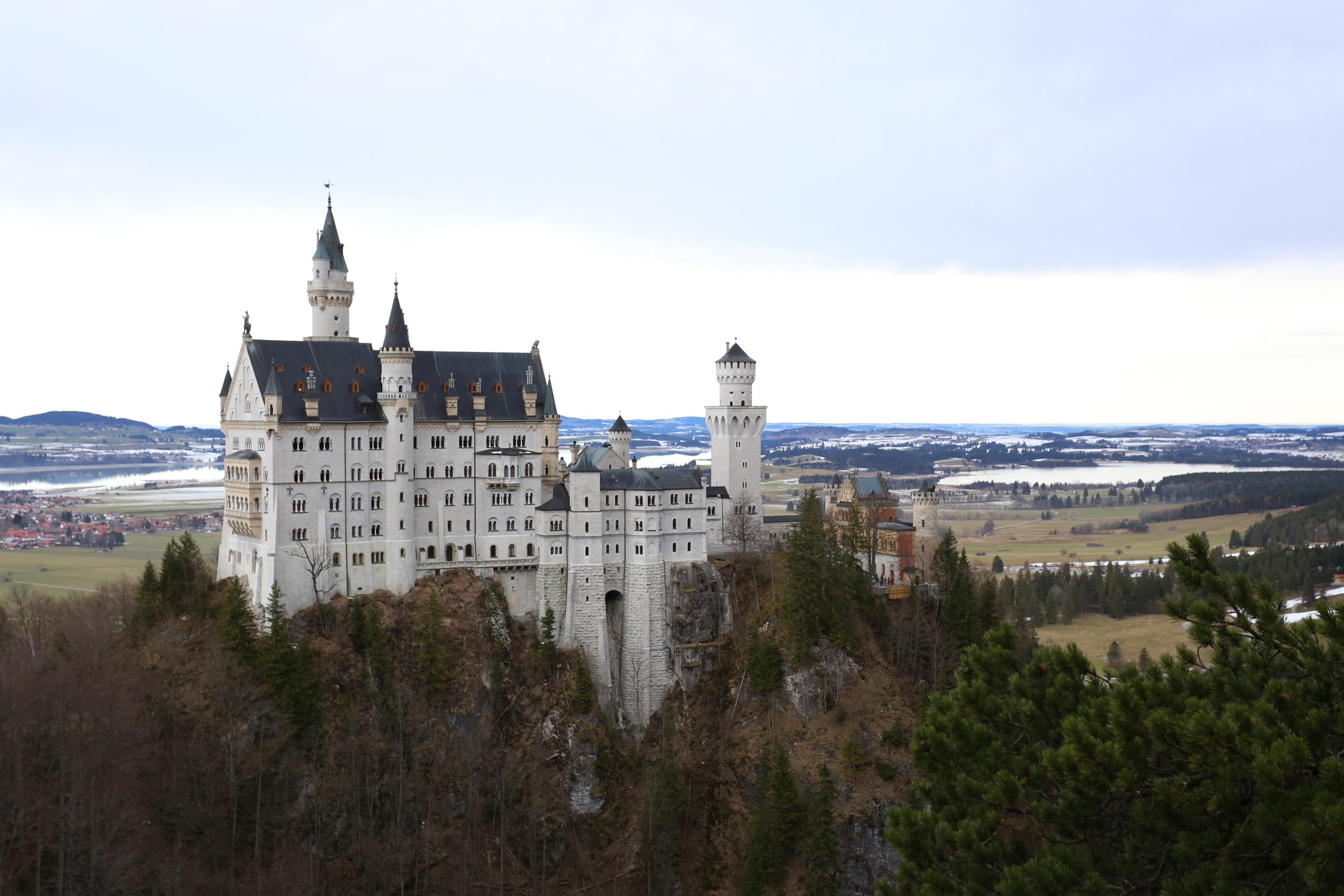 A Complete Guide to Visiting Neuschwanstein and Hohenschwangau