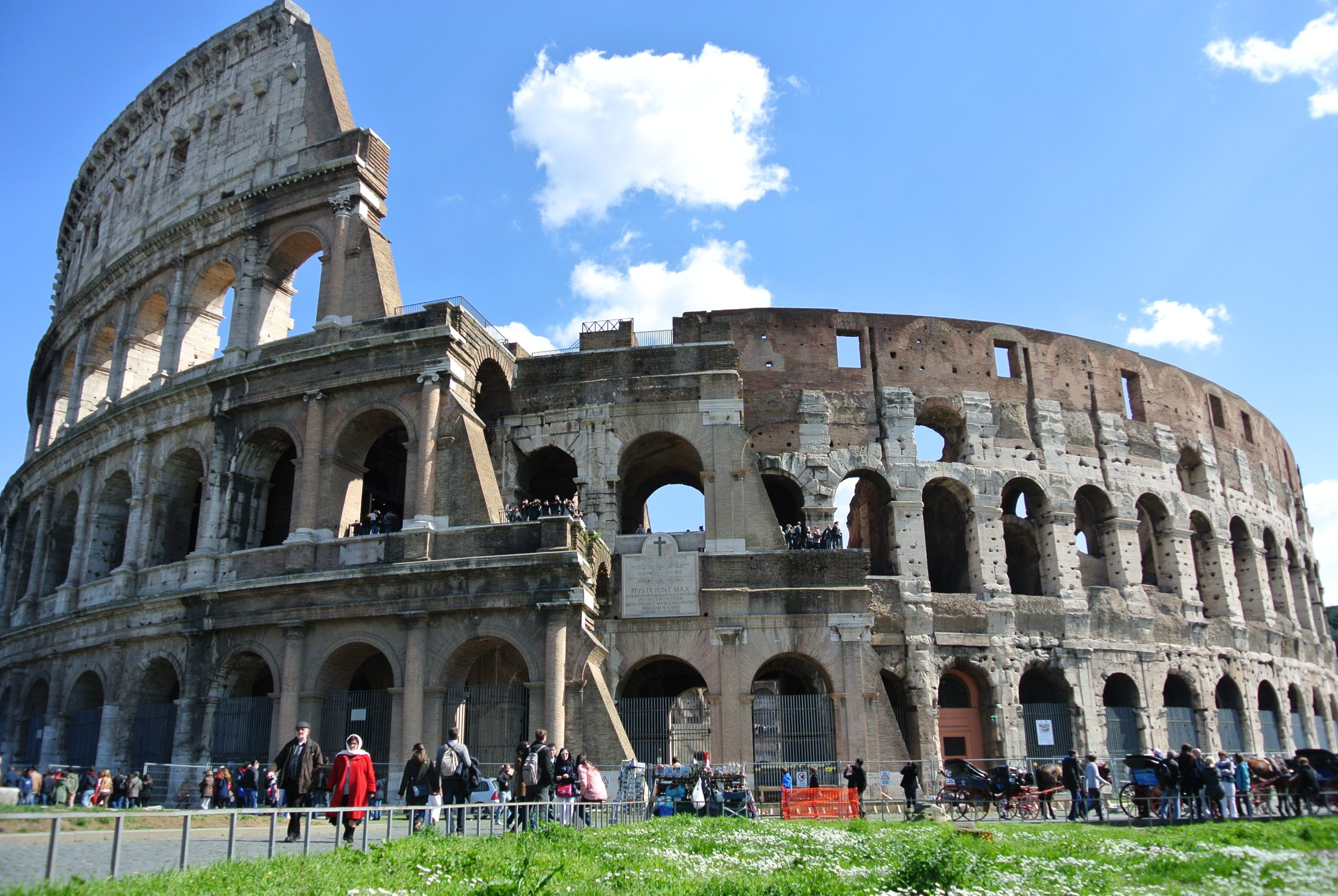 A Complete Guide to Visiting the Colosseum and Palatine Hill in Rome, Italy
