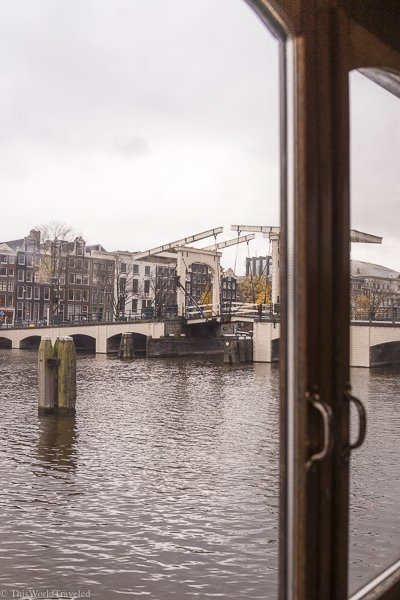 The location of the house boat is on one of the main canals in Amsterdam and easy to get to.