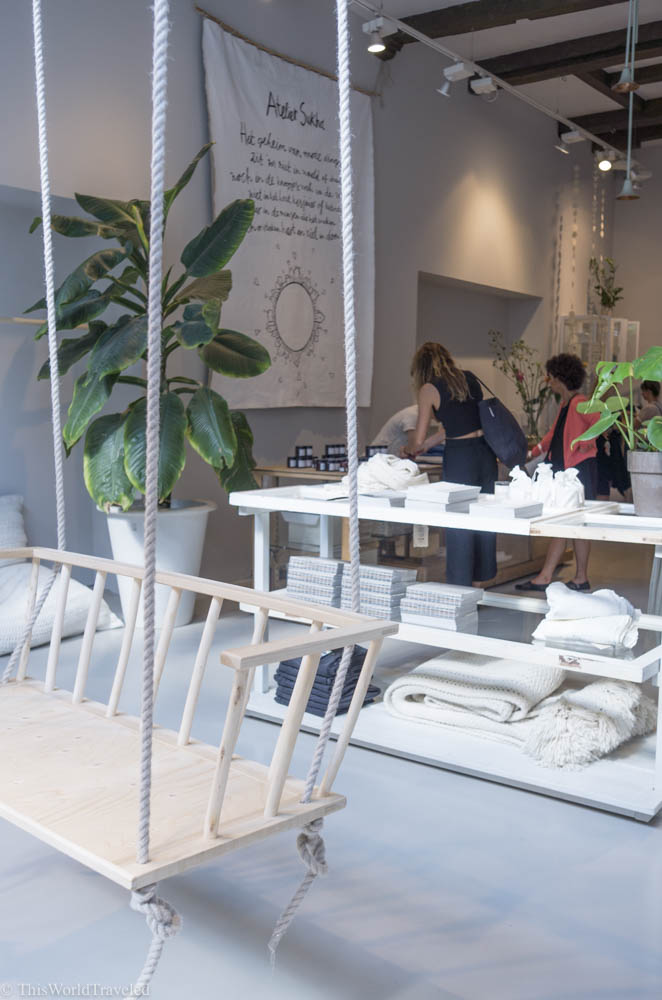 The neutral design and style of Sukha in Amsterdam