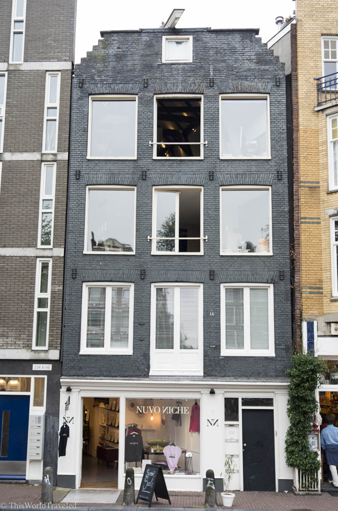 Nuvo Niche is a small boutique shop in Amsterdam's main shopping district
