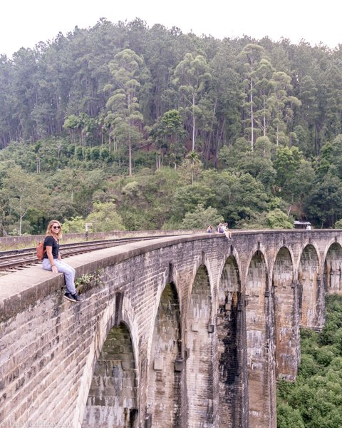 Hanging out on the Nine Arches Bridge in Demodara is a popular thing to do when visiting Ella
