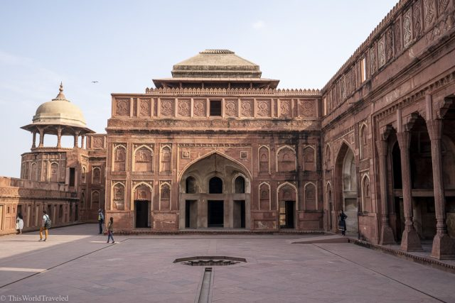 red sandstone building which is the agra fort in india