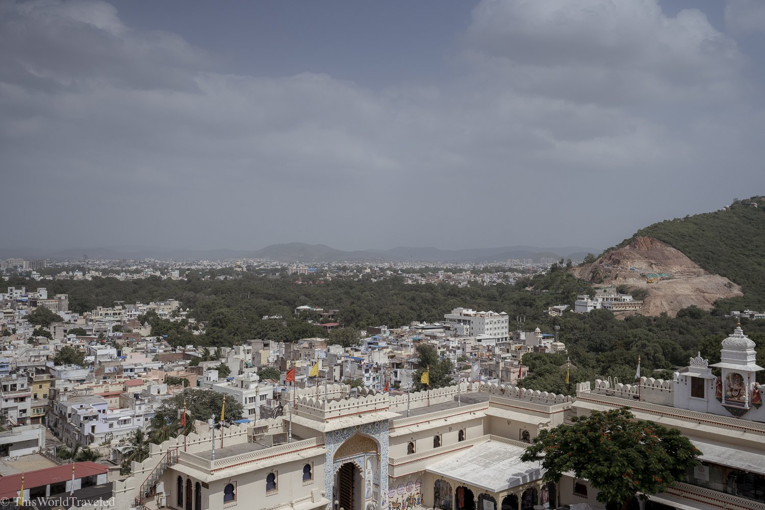 birds eye view of Udaipur from the Cable Car