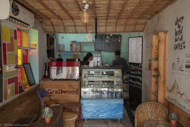 Grasswood Cafe is a delicious and healthy place to eat in Udaipur. They offer many smoothie bowls, vegan and vegetarian food and coffee.