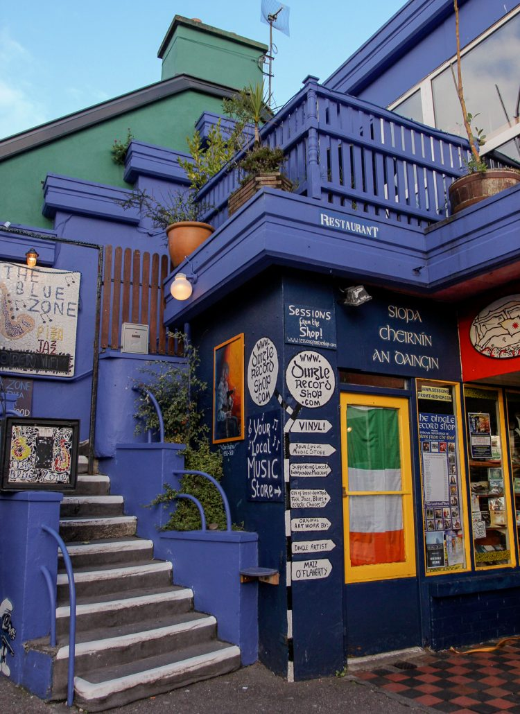 A blue colored restaurant at the Dingle Harbor in Ireland