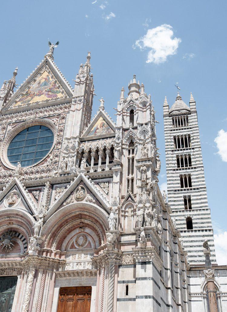 The church in Sienna, Italy has distinct black stripes